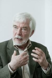 Dr. Hans-Joachim Maaz, Psychiater und Psychoanalytiker, aufgenommen in Halle-Dohlau.
